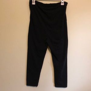Gor and sin maternity cropped leggings